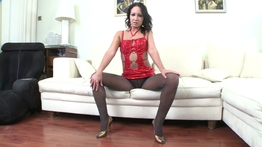 NYLON PEE GIRLS / Pauli Pee in her Nylons