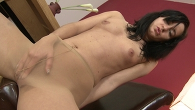 NYLON PEE GIRLS / Barbies Pee in her Nylons