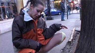 PUBLIC PEE GIRLS / Extreme Public Piss Girls Vanessa-Kathy