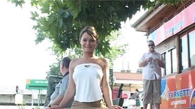 PUBLIC PEE GIRLS / Extreme Public Piss Girls Veronika-Judit-Susanna