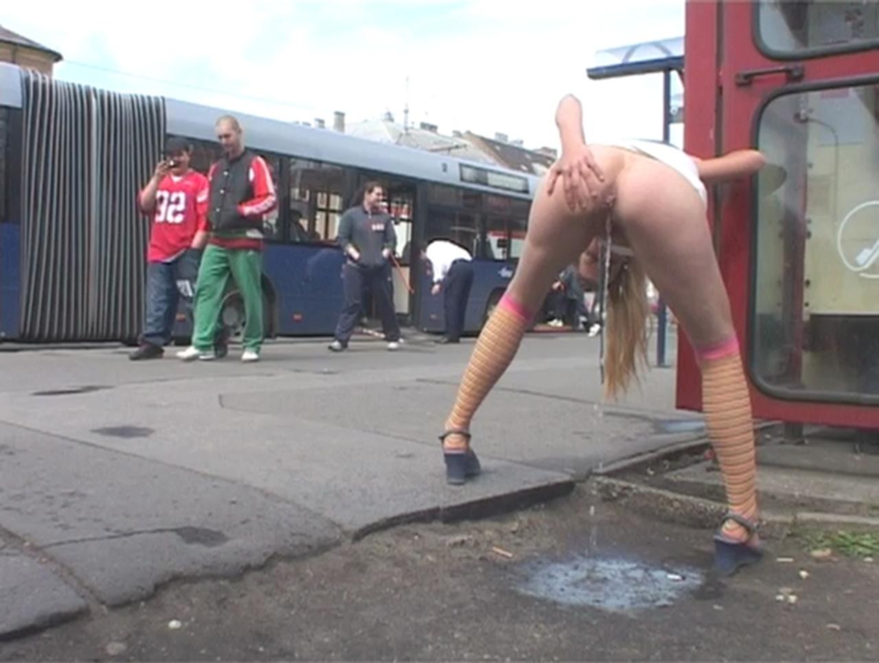 girls pissing in public