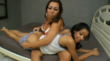 SCAT REAL FAMILY / Scat Punishment Auntie and Niece
