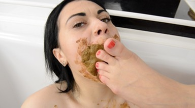 Scat Kisses Top Models - Enormous Big Scat