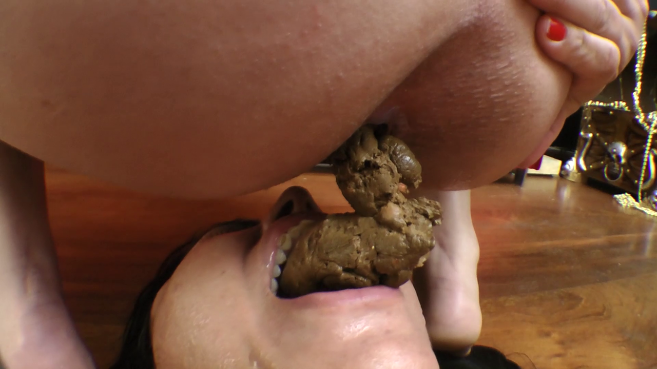 Kinky Sex Doctor Making Her Eat Shit Eating Scat