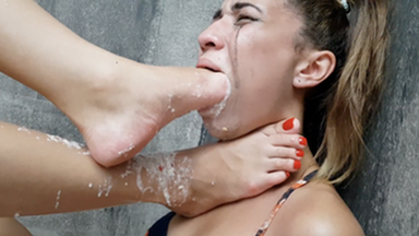 VOMIT GIRLS / Deep Feet Vomit Extreme By Top Model Rafaela Zack And Slave Mila